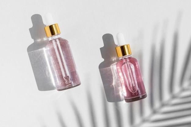 Cosméticos para tratamentos de spa com óleos de rosa