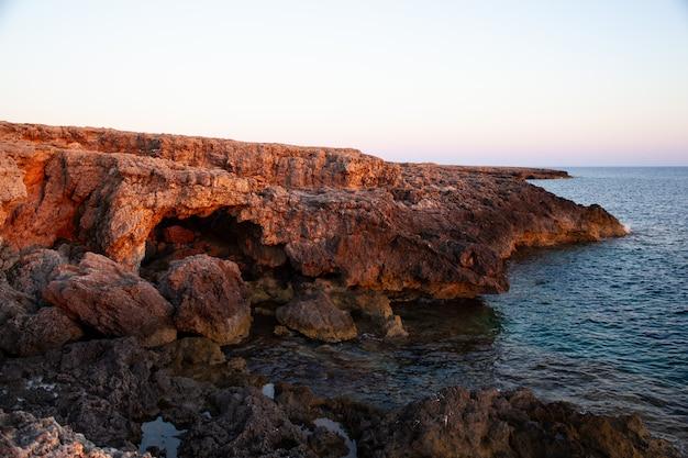 Costa da rocha de lampedusa