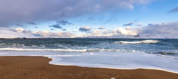 Costa do mar de barents, teriberka, rússia