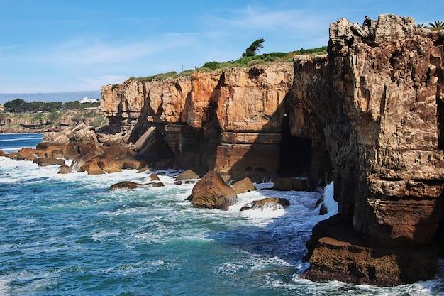 Costa do mar do oceano atlântico, portugal