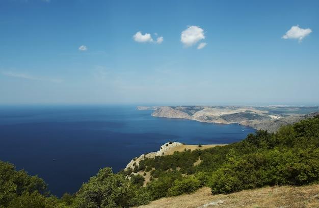 Costa do mar negro na crimeia