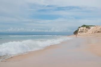 Costa do oceano em Bali