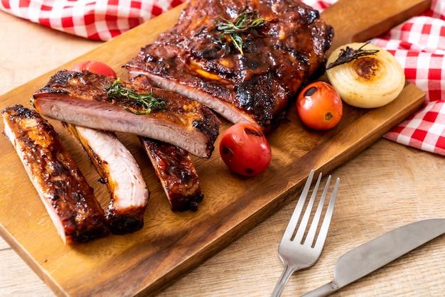 Costelas de porco grelhadas