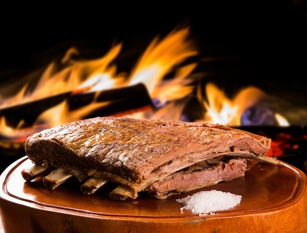Costelinha de churrasco, tradicional churrasco brasileiro.