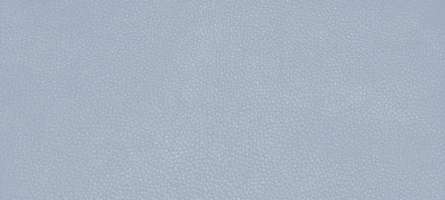 Couro genuíno com textura de pele cor blue fog.