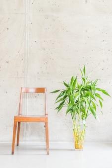 Couro sofá da sala vaso de madeira