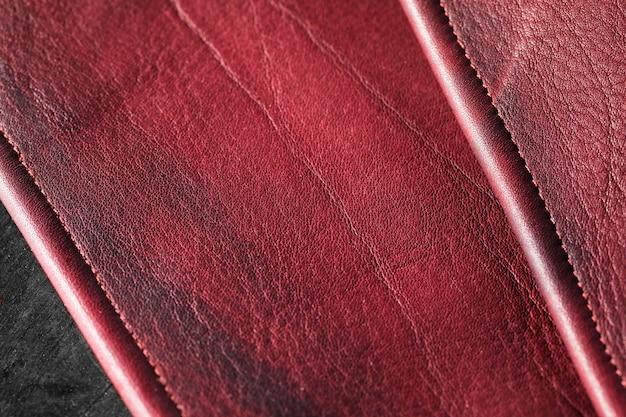 Couro vermelho vinho de qualidade em close-up