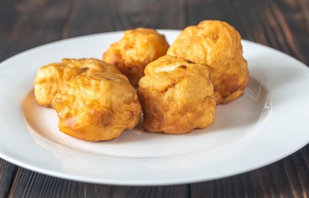 Couve-flor frita revestida em manteiga