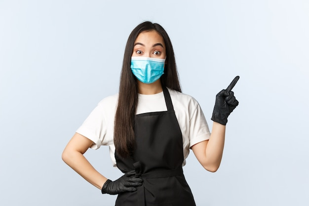Covid-19 pandemia, distanciamento social, pequenas empresas e conceito de prevenção de vírus.
