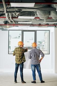 Coworking de engenheiros de construção