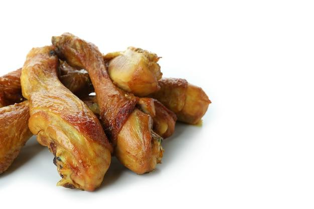 Coxinhas de frango assado isoladas no fundo branco