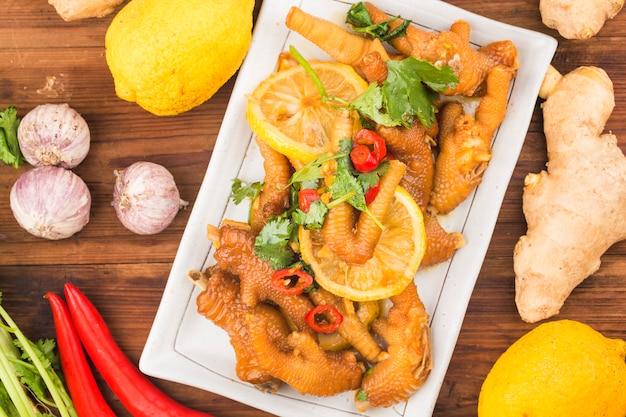 Cozinha caseira: asas de frango com limão fresco,