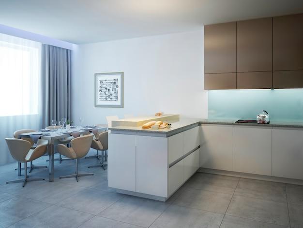 Cozinha com mesa de jantar estilo contemporâneo com balcão e móveis de cor branca e marrom.