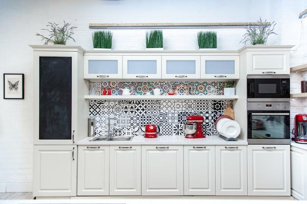 Cozinha, design leve, estilo moderno, design clássico