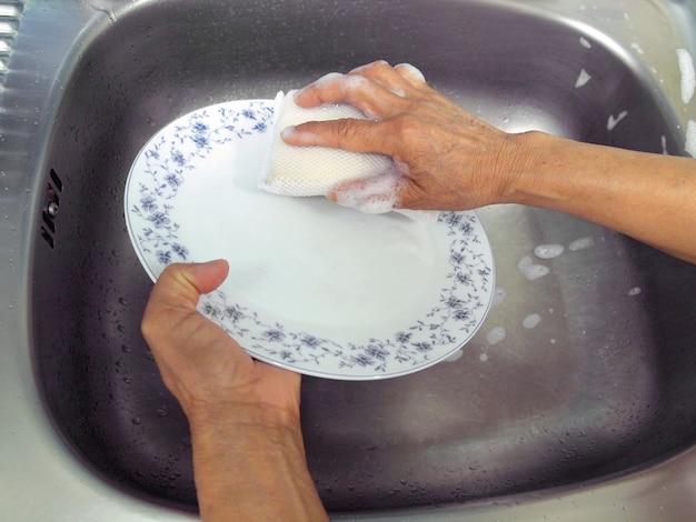 Cozinha, mulher, lava-louças