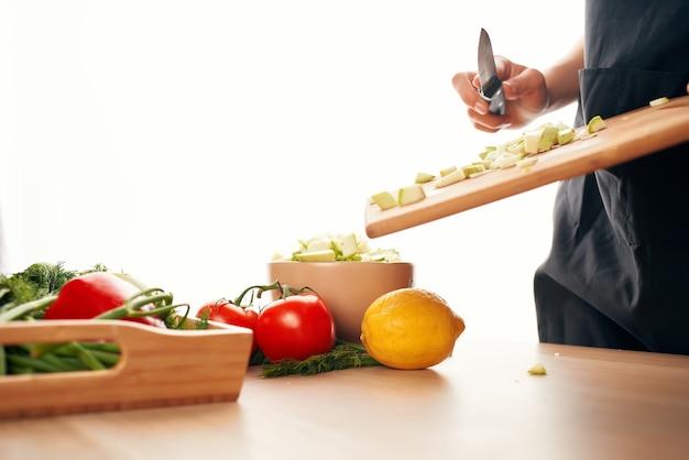 Cozinhando comida cozinha saudável comendo vegetais frescos