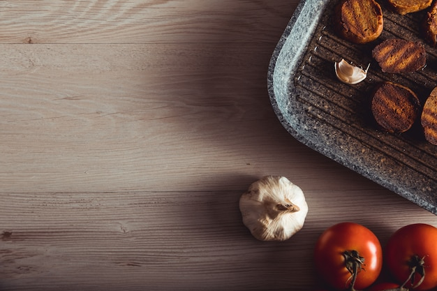 Cozinhando comida vegana. seitan é carne vegana para hambúrguer vegetariano