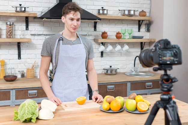 Cozinhando vlogger