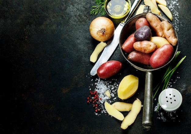 Cozinhar batatas frescas