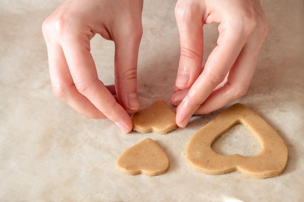 Cozinhar biscoitos caseiros de gengibre