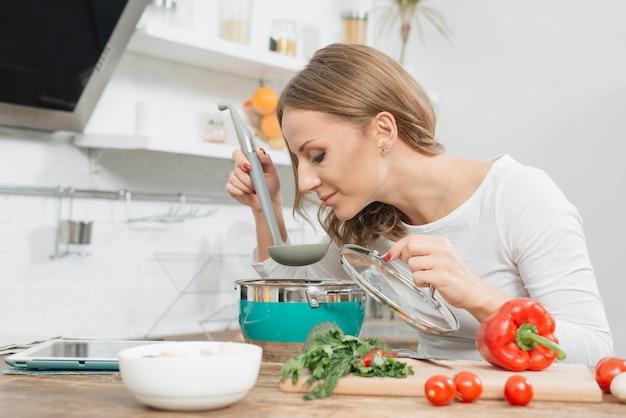 Cozinhar mulher