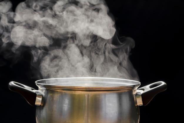 Cozinhe a vapor na panela