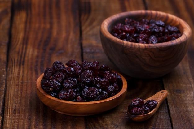 Cranberries secas em uma tigela
