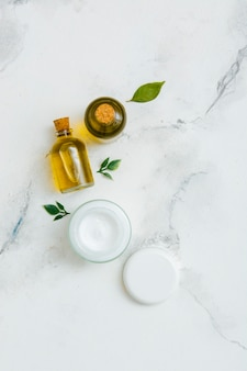 Creme e óleo natural