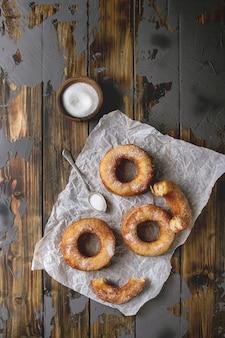Cremes de donuts de massa folhada