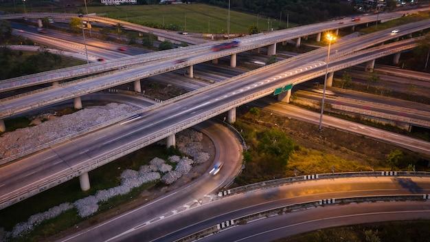 Crepuscular, paisagem, longo, exposição, movimento, tráfego, car, ligado, viaway, intercâmbio, em, tailandia