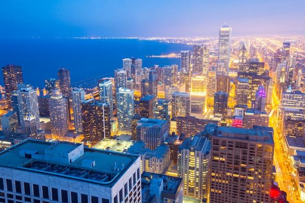 Crepúsculo aéreo da cidade de chicago