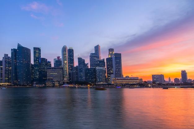 Crepúsculo da cidade de singapura.