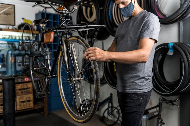 Criação de bicicletas na oficina