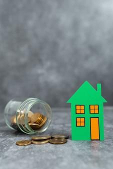 Criação de contrato de propriedade, venda, apresentação de negócio de venda de casa, ideias de negócios imobiliários página inicial