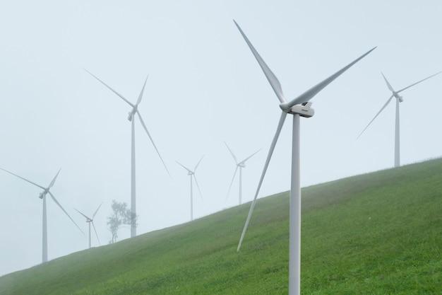 Criação de energia alternativa com energia eólica