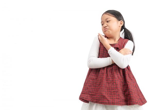 Criança asiática menina rosto expressão inveja, ciumento isolado Foto Premium