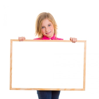 Criança criança feliz menina segurando em branco copyspace