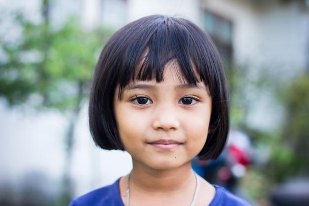 Criança da tailândia