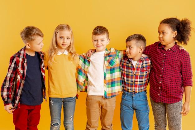 Crianças no evento do dia do livro