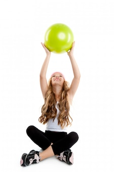 Crianças, pequeno, ginásio, menina, com, verde, ioga, bola