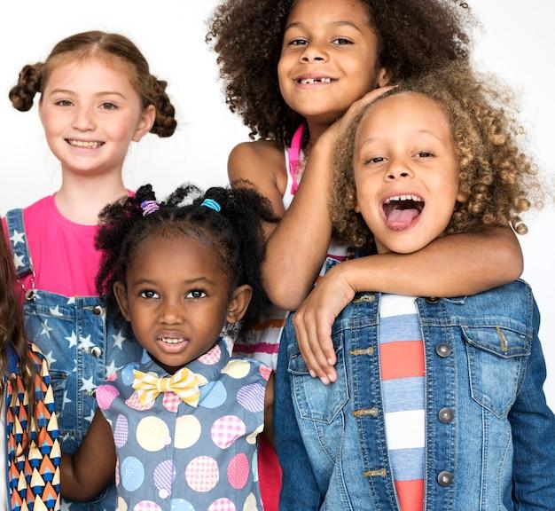 Crianças, sorrindo, felicidade, amizade, união, estúdio, retrato