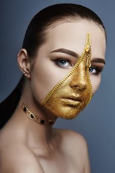 Criativo sombrio maquiagem rosto menina zíper cor dourada