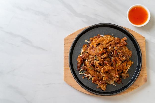 Crocante de panqueca de mexilhão frito ou omelete de mexilhão