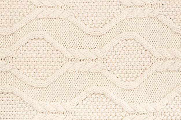 Crochê de lã creme com padrão
