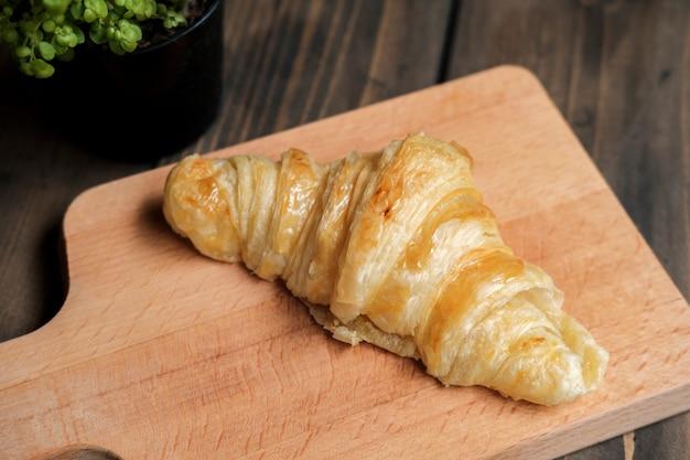 Croissant assado