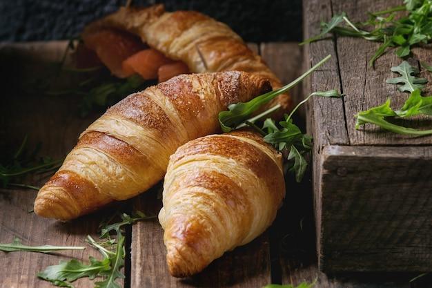 Croissant com salmão