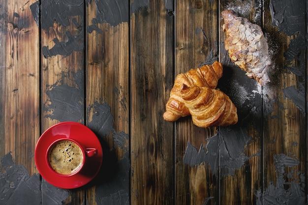 Croissant fresco assado