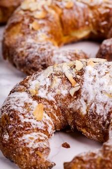 Croissants no café da manhã