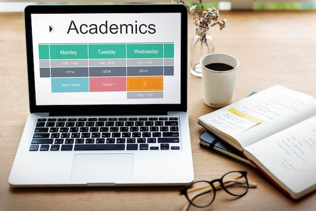 Cronograma acadêmico de estudo de aula em sala de aula