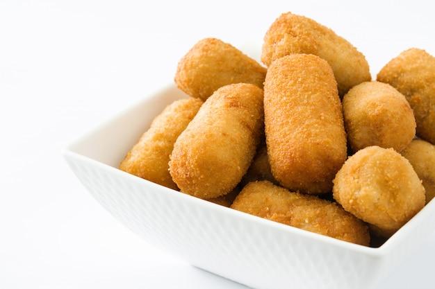 Croquetes espanhóis fritos tradicionais